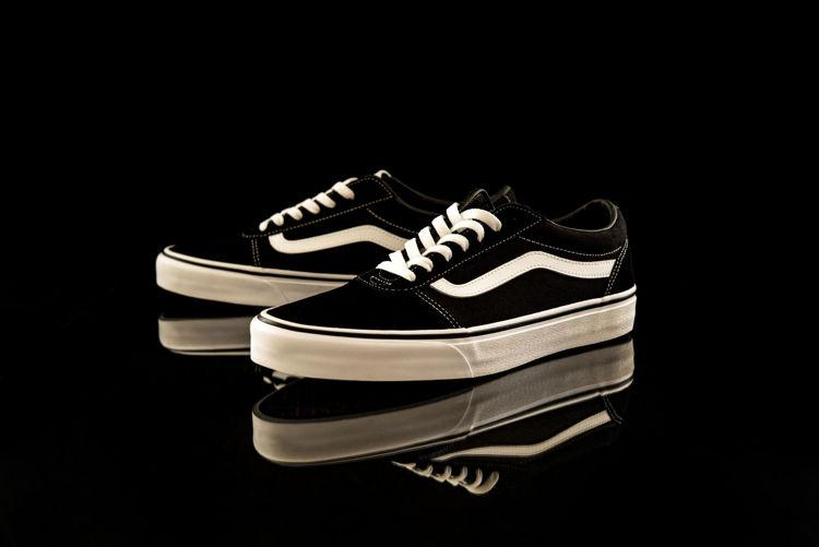 Picture of Men & Women Vans Shoes - 45 lbs (Good Quality)