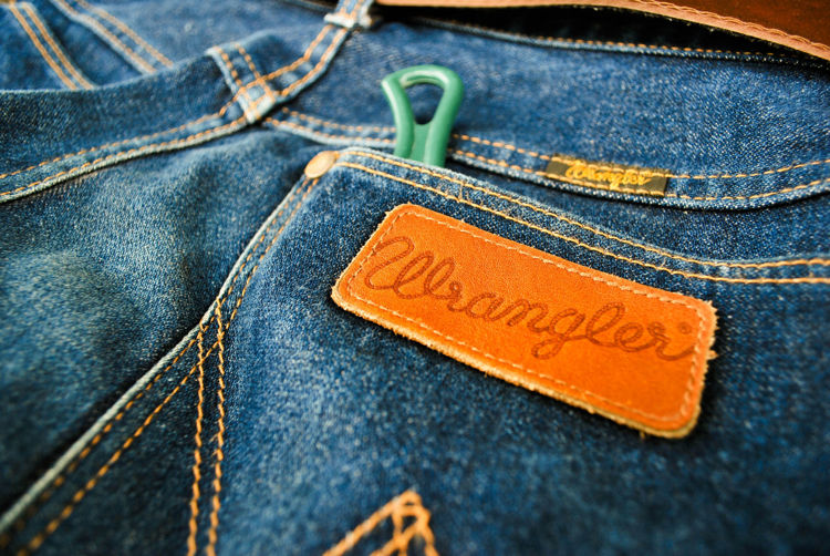 Picture of Men's Wrangler Jeans - 45 lbs (Good Quality)