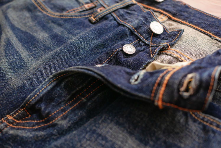 Picture of Men & Women Levi's 501 Jeans - 45 lbs (All Qualities Included)