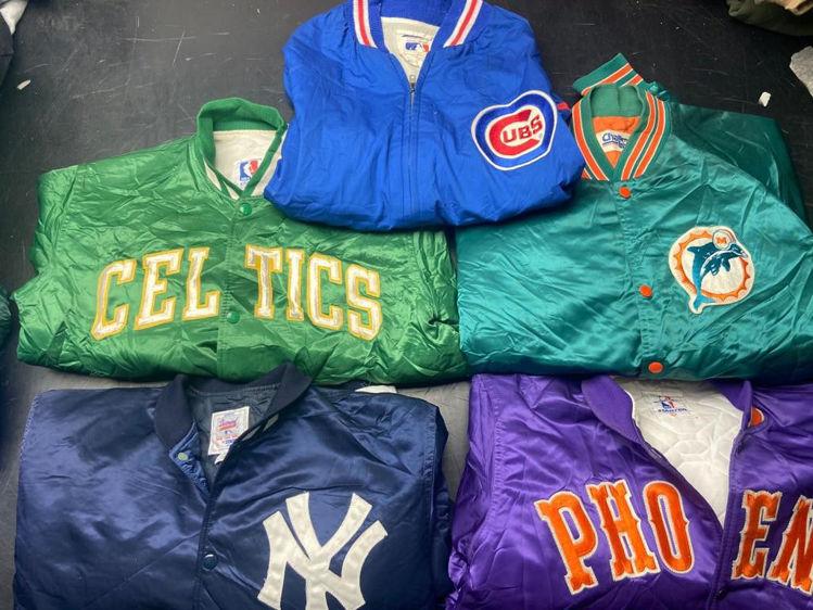 Picture of Select Vintage Jackets Bundle - 20 pieces