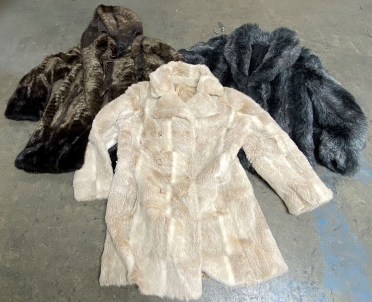 Picture of Women's Plush Jackets - 30 lbs (Good Quality)